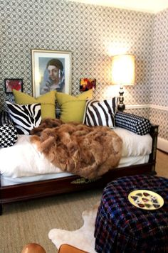 Thinking of putting a full-sized daybed in my dressing room...