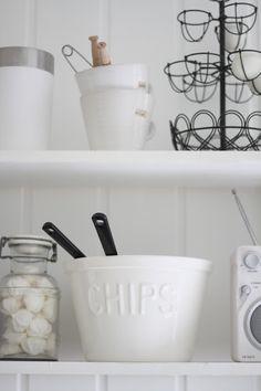 Stunning open shelves   Lykkebo-bo blog spot via Woodley Lane