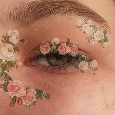 photo ✰P I N T E R E S T: ✰ A n n a ✰✰Form; Make up looks; Make up face; Art Hoe Aesthetic, Aesthetic Eyes, Aesthetic Makeup, Aesthetic Photo, Aesthetic Drawing, Aesthetic Quiz, Angel Aesthetic, Aesthetic Beauty, Aesthetic Grunge