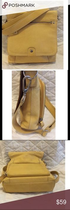 """✨Sweet Pebble Leather Crossbody w/Organizer✨ """"Vintage Fossil"""" butter yellow pebble leather, front flap with zipper pocket, adjustable crossbody strap, zip open organizer on back, inside 4 pockets........great for traveling or everyday👍💕😀.......NO HANGING KEY. Minimal wear, no holes or damage, really good used condition Fossil Bags"""