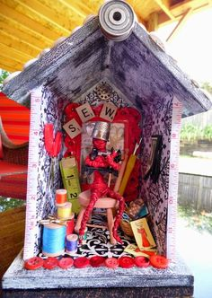 """To sew, to live"" shrine made by Craftster member Pinkleo"