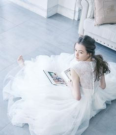 No. DBW-018 –エアリーなバックスタイルで「綺麗シルエット」を。ガーデンウェディング、二次会ドレスとしても。