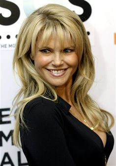Christie Brinkley pretty recent photo. Gorgeous, Sunny and Youthful. I have no idea what procedures or treatments she does but this woman is my role model for how to age like a boss. (my mom's friend, Carol, looks like Christie. Carol saved my mom's life thanks to God. So I love her, plus I love Carol for who she is: sweet, funny, KIND. -Mari)