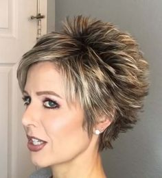 Short Layered Haircuts, Short Hairstyles For Thick Hair, Haircut For Thick Hair, Easy Hairstyles, Short Highlighted Hairstyles, Short Stacked Wedge Haircut, Modern Short Hairstyles, Shaved Hairstyles, Short Hair Styles Easy