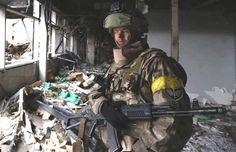 Олесь, боец батальона «Азов», «Киборг», который защищен бронежилетом нашего производства, купленным на средства, собранные волонтерами.  #волонтеры, #волонтери, #ато, #бронежилет, #скидка, #знижка, #акция, #акція, #панцирь, #цирас, #bronezhilet_com_ua, #бронежилет_com_ua — почуваюся дивовижно у Kyiv, Ukraine.