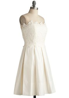 modcloth 200€  reception or possibly rehearsal??