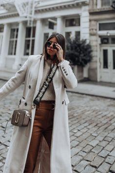 Bershka pants - Flaunt and Center Pants (Berska, similar here and also love this pair) Dior Fashion, Nyc Fashion, Fashion Pants, Trendy Fashion, Winter Fashion, Womens Fashion, Fashion Stores, Street Fashion, Marc Jacobs Snapshot Bag