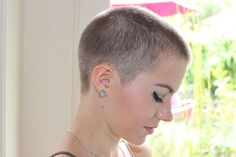 girls with buzz cuts - Google Search                                                                                                                                                     Mais