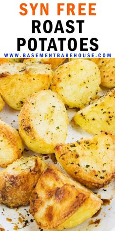 This is the best ever recipe for Syn Free Roast Potatoes - the ultimate Slimming World roast dinner recipe for the whole family to enjoy! astuce recette minceur girl world world recipes world snacks Slimming World Vegetarian Recipes, Slimming World Dinners, Slimming Eats, Slimming Recipes, Slimming Word, Roast Dinner Slimming World, Healthy Roast Dinner, Free Recipes, Slimming World Free Foods