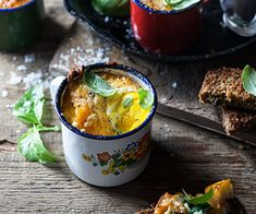 Baked Eggs with Haddock, Cheddar and Spinach Banting Recipes, Low Carb Recipes, Lower Carb Meals, Protein, Most Nutritious Foods, Baked Eggs, Weight Watchers Meals, Cheddar, Spinach