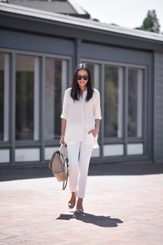 Three words come to mind when I think about Summer work essentials: silky, slouchy neutrals. Airy, oversized blouses are perfect to pair with cropped trousers and I'm not afraid to mix and match ivory, cream and white. Over the years I've been pretty vocal about my love for Nordstrom Rack: so many incredible finds, and …