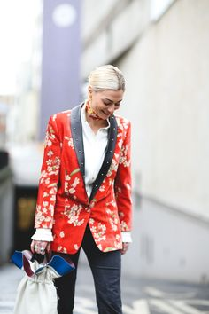 Stylist and fashion editor Pandora Sykes in SS16 Magda Butrym shirt, velvet blazer and scarf.  #refinery29 http://www.refinery29.com/2016/02/103500/street-style-london-fashion-week-aw16-news#slide-32