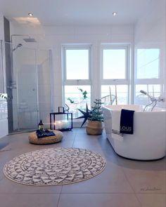 Morning .................. Et herlig morgenbad - Idag blir det vår tur til å varte opp gjesterog ikveld serveres det pinnekjøtt ⭐️ - - Ønsker deg en nydelig 3.juledag - - - Wish you a great day - #bathroom #vikingbad @vikingbad.no #bath #christmasdecorations #xmas #jul #bad #bathroomdesign #indretning #casa #badrum #inspiração #styleoftheday #christmastime #spa #luxuryhome #luxuryinteriors #whiteinterior #indretning #view #decoracaodeinteriores #decorating #arquitetura #...