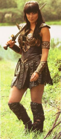Lucy Lawless - Xena Warrior Princess - I like her because like me she was both good and bad according to her mood only difference was that she had Danelle. Lucy Lawless, Manequin, Paddy Kelly, Xena Warrior Princess, Badass Women, Celebs, Celebrities, Looks Cool, Strong Women