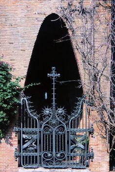 Gaudi. Col·legi Teresianes. 1888-1908. Barcelona Spain