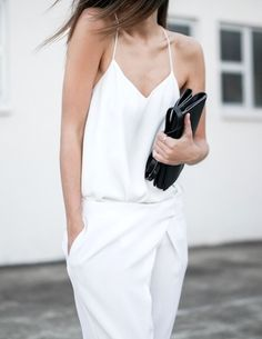 Le-Fashion-Blog-Three-Minimal-White-Looks-Spring-Summer-Style-Via-Modern-Legacy.jpeg (518×670)
