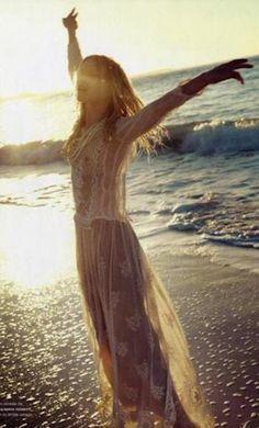 abrir os braços..voar...sentir a liberdade inerente em cada Um