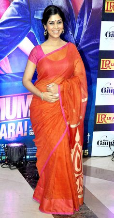 Sakshi Tanwar in red saree and loose bun at Ekta Kapoor's Iftar bash. #Bollywood #Fashion