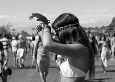 dance on  | Inspiración looks de #Festival #bohochic #free #cool #fashion #hippy #hippie #etnico #etnic #bohemian ☼ ☼ Preciosas Indígenas Joyas ☼ ☼ para descubrir nuestras joyas visita nuestra #tiendaonline http://www.preciosasindigenas.com/ ☼