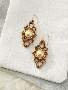 Swirls and Pearls Earrings | Modern Beaded Lace by Cynthia Newcomer #BeadedEarrings #BeadMaking