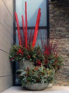 bambusstangen deko rot streichen blumenkübel beton beeren