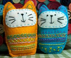 Embroidered Felt Cat Softie Pattern - easy embroidery for kids - Cats Felt Crafts Patterns, Felt Crafts Diy, Fabric Crafts, Sewing Crafts, Kids Crafts, Sewing Projects, Sewing Hacks, Felt Embroidery, Embroidery Patterns