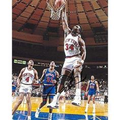 Charles Oakley is the New York Knicks' all time leader in offensive rebounds and ninth in NBA history! Basketball Legends, Sports Basketball, College Basketball, Basketball Players, Jordan Basketball, Nike Air Flight, Nba Stars, Basketball Pictures, American Sports