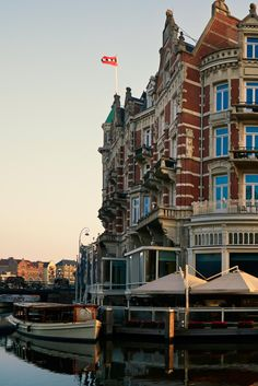 Say goodnight to Amsterdam right on the Amstel River. De L'Europe Amsterdam (Amsterdam, Netherlands) - Jetsetter