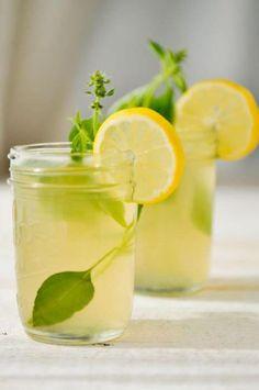 Ginger Lemonade with lemon basil. Could just buy lemonade and add fresh ginger and lemon basil Gin Basil, Lemon Basil, Yummy Drinks, Healthy Drinks, Healthy Food, Healthy Eating, Thai Recipes, Healthy Recipes, Water Recipes
