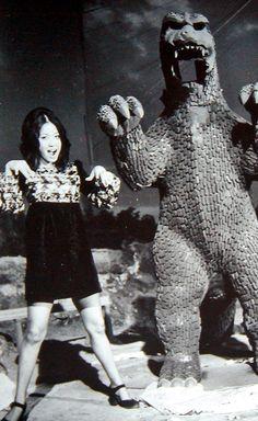 Yuriko Hishimiposes with the Godzilla Tower during filming ofGodzilla vs Gigan(1972)