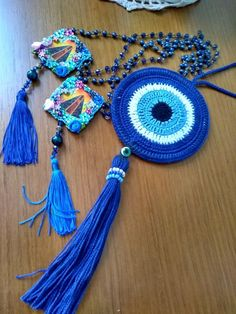 DIY & Crafts: 23 Homemade Valentine Gifts You Should Be Giving Crochet Eyes, Crochet Home, Love Crochet, Crochet Flowers, Knit Crochet, Knitting Patterns, Crochet Patterns, Diy Jewelry Necklace, Jewelry Bracelets