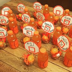 Ideas basket ball team snacks treats goodie bags - Fitness and Exercises, Outdoor Sport and Winter Sport Basketball Party Favors, Basketball Baby Shower, Basketball Decorations, Basketball Birthday Parties, Basketball Gifts, Sports Birthday, Boy Birthday Parties, Basketball Cookies, Toddler Girls