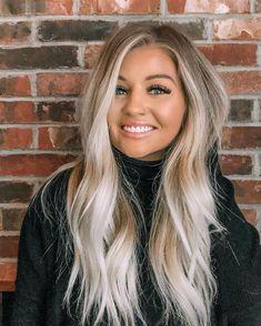 50 Pretty Blonde Hair Color & Shades Ideas for 2020 Blonde hair models Ashy Blonde Balayage, Blonde Hair With Highlights, Hair Color Balayage, Caramel Highlights, Haircolor, Balyage Long Hair, Auburn Highlights, Pretty Blonde Hair, Blonde Hair Colour Shades