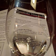 Roanoke Vineyards Pinot blanc. #wine #liwine #licharacter (@ Roanoke Vineyards) http://ift.tt/2hxrWvi http://ift.tt/2ivtN1W