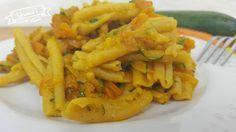 Oggi ho voluto pensare ai vegani e ai celiaci di fatti vi suggerisco un primo piatto ricco di verdure e con la pasta realizzata con i legumi.