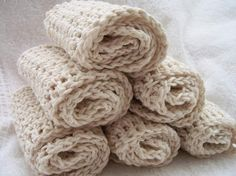 what?! hand-crocheted dishcoths... $9 for 3? i'm gettin me some...