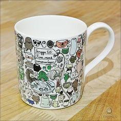 プレートに合わせてマグカップも欲しいですよね。こちらも「ノリタケ」とのコラボ作品です。