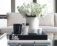 Coffee table books decor - 20 Coffee Table Books for Everyone in Your Life – Coffee table books decor Coffe Table Books, Coffee Table Styling, Decorating Coffee Tables, Coffee Table Decorations, Coffee Table Flowers, Kwanzaa, Books Decor, Diptyque Candles, Decoration Chic