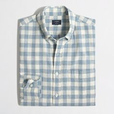 <ul><li>Cotton.</li><li>Regular fit.</li><li>Button-down collar.</li><li>Machine wash.</li><li>Online exclusive.</li><li>Import.</li></ul>
