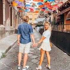 """HOME, SWEET HOME Nach 10 Monaten geht unsere Auszeit in Italien zu Ende. Nach Sizilien haben wir uns über Apulien, die Amalfiküste und die Toskana bis nach Venedig wieder nach oben """"vorgearbeitet"""" mit unserem kleinen Polo """"Horst"""". Alle diese Aufenthalte waren wunderschön und wir haben sie sehr genossen. Mit jedem Kilometer, den wir gen Norden zurückgelegt haben, stieg aber auch die Vorfreude auf das, was danach kam - ZUHAUSE! Horst, Love Live, Sweet Home, Shirt Dress, Dresses, Fashion, Pictures, Sicily, Tuscany"""