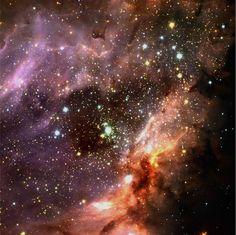 Astronomía para niños, cómo hacer una nebulosa en un frasco, una actividad educativa para enseñar astronomía a los peques de manera amena.