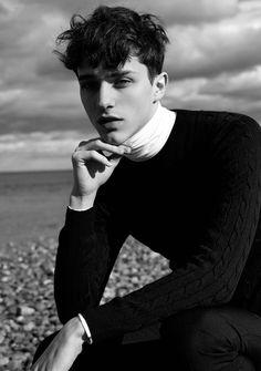 Guy Pictures, Fashion Pictures, Photography Poses For Men, Portrait Photography, Men Photoshoot, Street Portrait, Men Beach, Turtlenecks, Style