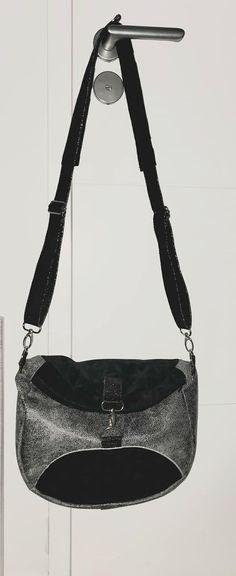 Sac à dos transformable Limbo gris et noir cousu par Cindy - Patron Sacôtin