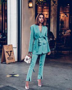 New fashion week street style 2018 summer Ideas Fashion Blogger Style, Look Fashion, New Fashion, Trendy Fashion, Womens Fashion, Ladies Fashion, Suit Fashion, Spring Fashion, Tailored Fashion