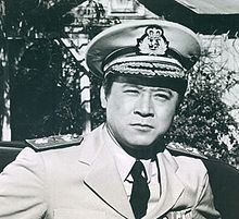 James Shigeta - film and television actor. He was also a standards singer, musical theatre and nightclub performer, and recording artist. He was a Sansei or third-generation American of Japanese ancestry. He was noted for his roles in Flower Drum Song (1961), Die Hard (1988), and Mulan (1998). Born in the Territory of Hawaii of Japanese ancestry in 1929. Shigeta died in his sleep on July 28, 2014 at the age of 85 in Beverly Hills. He had suffered a stroke two years earlier. Hot Hollywood Actors, Golden Age Of Hollywood, Old Hollywood, James Shigeta, Actor James, Die Hard 1988, Flower Drum, Asian American, Human Behavior