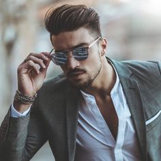 Italian Hair Style 44412 Suave whoops In 2019 Hair And Beard Styles, Long Hair Styles, Mdv Style, Italian Hair, Portrait Photography Poses, Most Handsome Men, Gentleman Style, Gentleman Haircut, Haircuts For Men