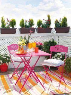 Amazing Diy Backyard Outdoor Table Design Ideas For Spring Season Backyard Retreat, Backyard Pergola, Balcony Design, Garden Design, Balcony Ideas, Bohemian Patio, Outdoor Furniture Sets, Outdoor Decor, Outdoor Rugs