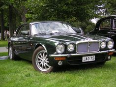 New Top Car Launches Info With Wallpapers: Classic Jaguar Cars