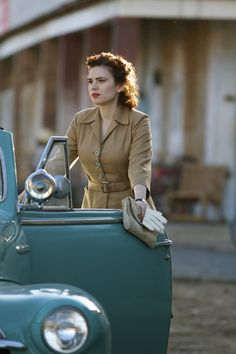 "How to Dress Like a Spy. Hayley Atwell as Peggy Carter in ""Agent Carter. Hayley Atwell, Peggy Carter, Marvel Avengers, Marvel Comics, Marvel Girls, Marvel Heroes, Marvel Women, V Drama, Drama News"