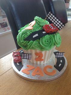Giant cupcake #cupcakes #disney #cars #LighteningMcQueen